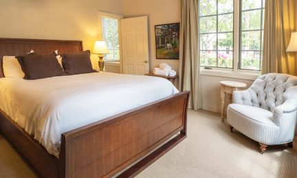 McCully King Guest Room 16